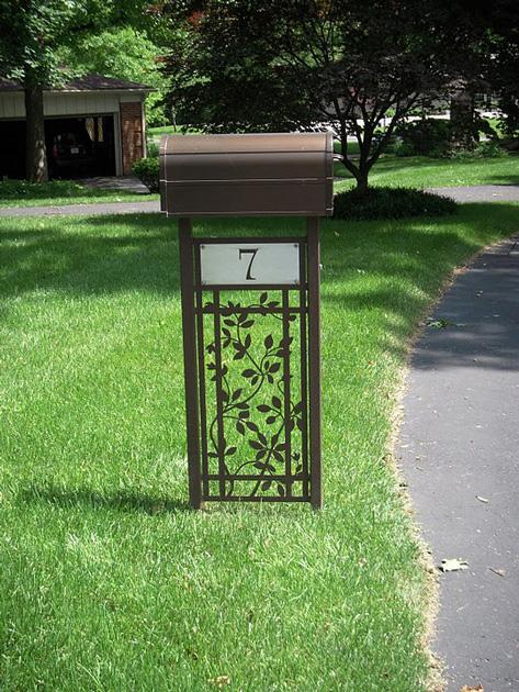 Clematis Mailbox Stand by Trellis Art Designs