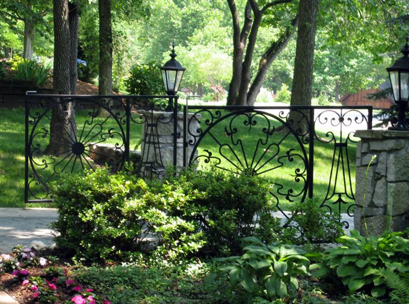 Driveway Gates Southern Style by Trellis Art Designs