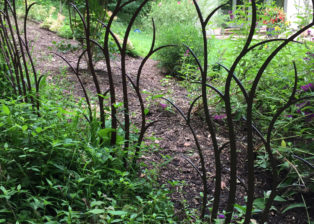 Branching shrub trellis